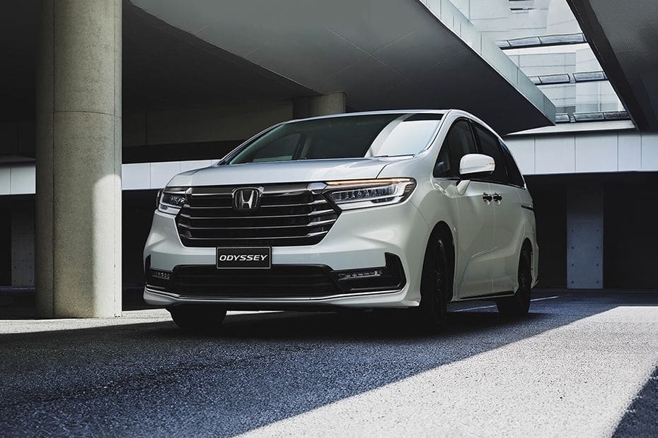 Odyssey Front angle low view