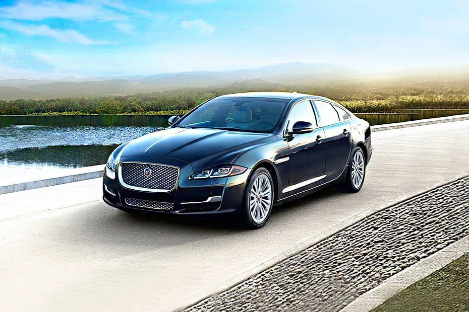 Tampak Depan Bawah Jaguar XJ