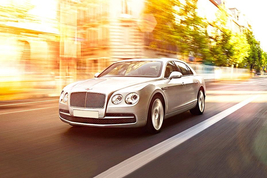Tampak Depan Bawah Bentley Flying Spur