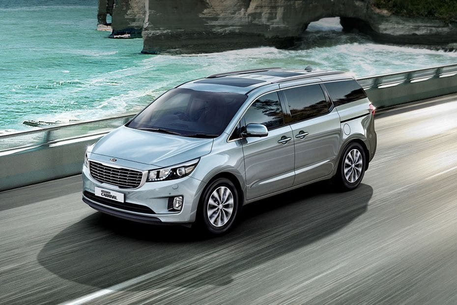 KIA Grand Sedona Pictures
