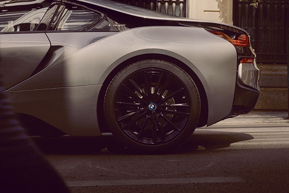 BMW i8 Coupe Colors