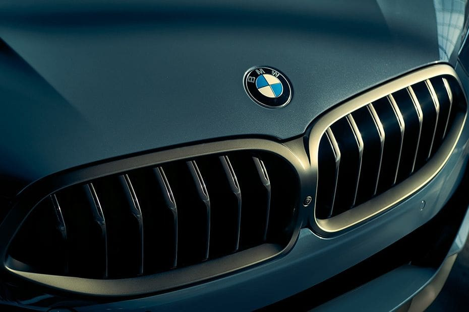 BMW 8 Series Coupe Videos