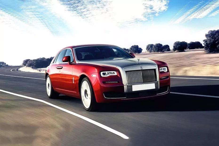 Tampak Depan Bawah Rolls Royce Ghost