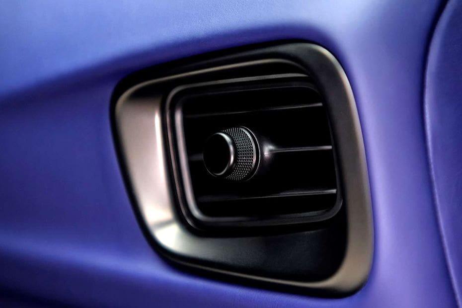 Aston Martin DB11 Videos
