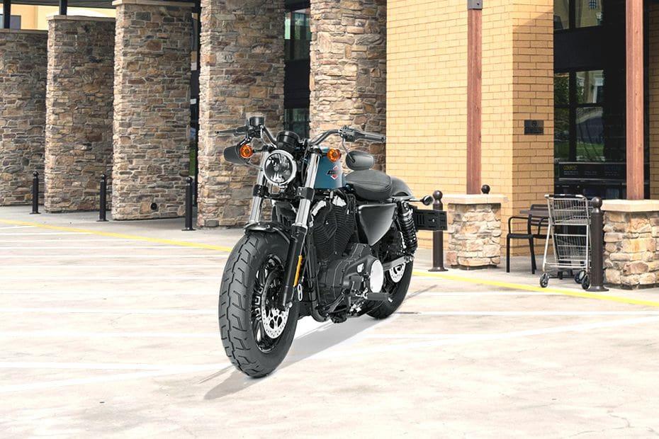 Tampak depan serong Harley Davidson Forty Eight