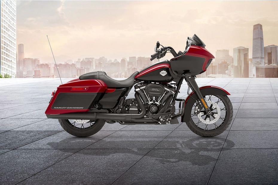 Samping kanan Harley Davidson Road Glide Special