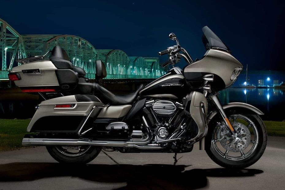 Harley Davidson Road Glide Ultra Right Side Viewfull Image