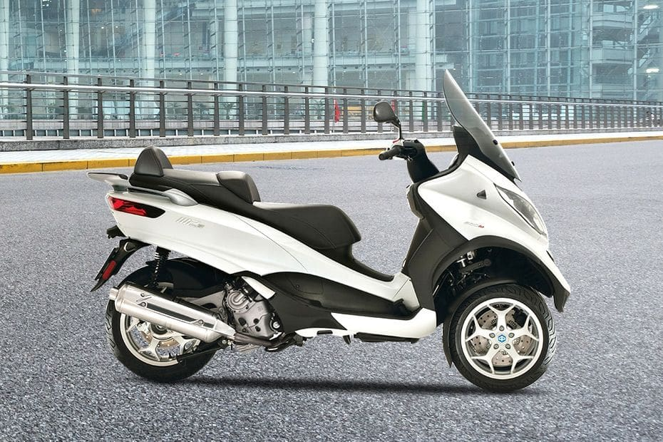 Samping kanan Piaggio MP3 Business