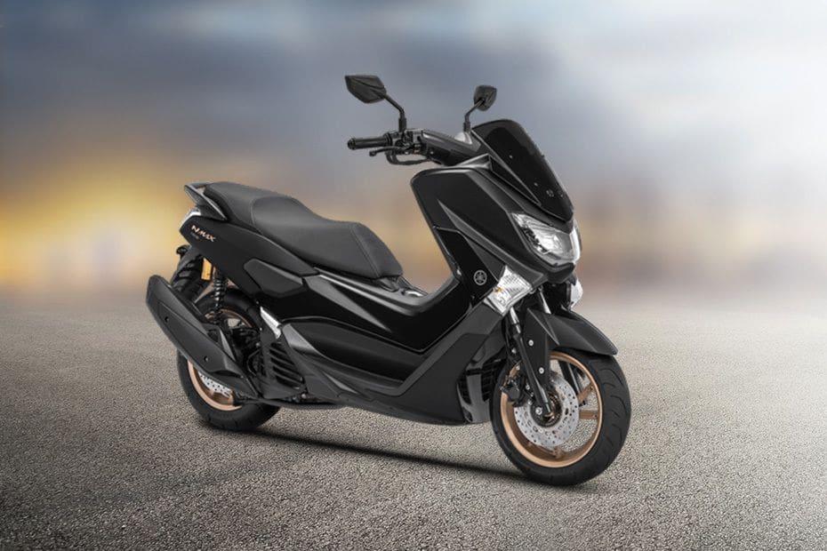 Tampak belakang serong Yamaha Nmax (2018-2019)
