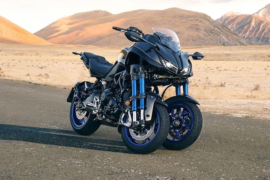 Tampak belakang serong Yamaha Niken