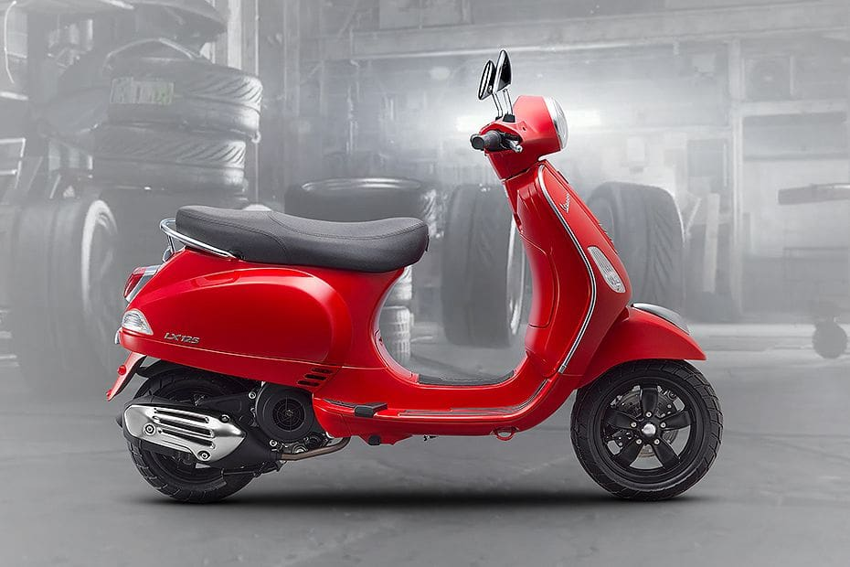 Vespa LX Right Side Viewfull Image