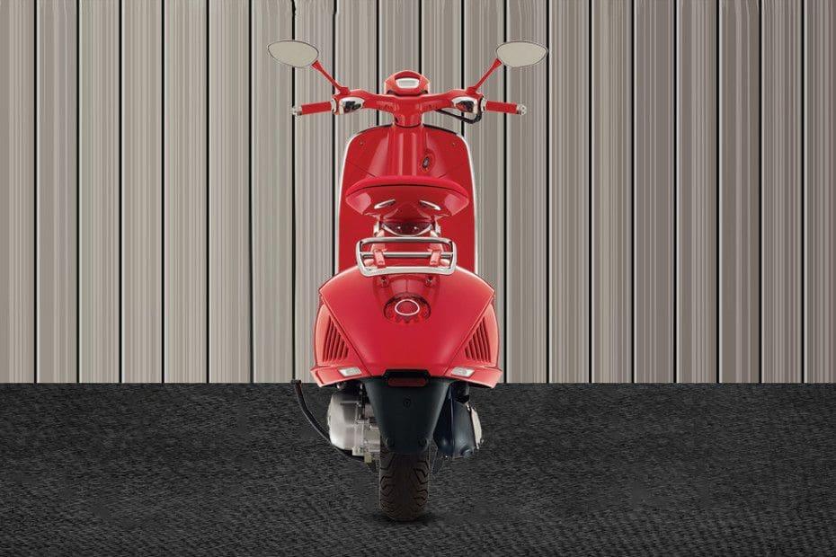 Vespa 946 Red Videos