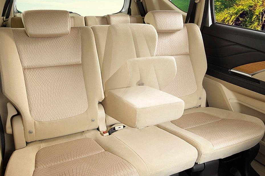 Kursi belakang Mitsubishi Xpander