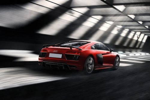 Tampak belakang R8