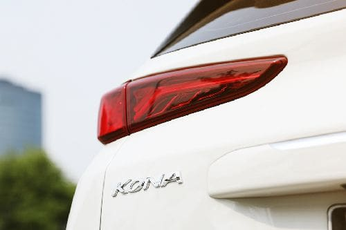 Lampu belakang Hyundai Kona