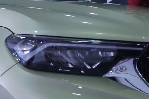 Lampu depan Sonet 7-Seater