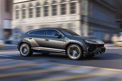 Lamborghini Urus Front Cross Side View