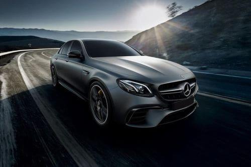 Tampak depan medium Mercedes Benz E-Class