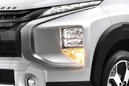 Lampu depan Xpander Cross