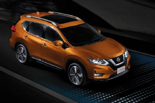 Nissan X Trail Front Cross Side View