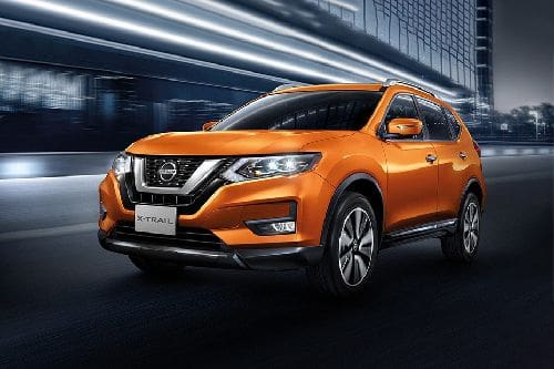 Nissan X Trail Front Side View
