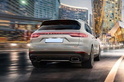 Tampak belakang Porsche Cayenne