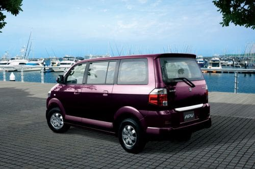 Rear Cross Side View of Suzuki APV Arena