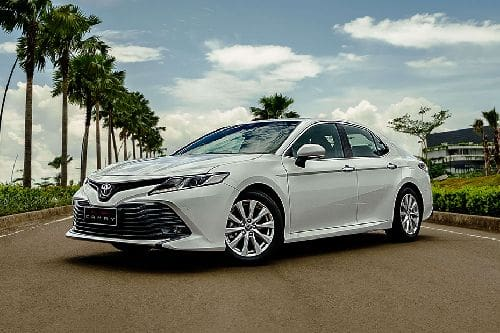 Toyota Camry Front Side View