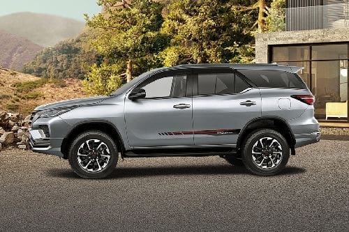 Fortuner Side view