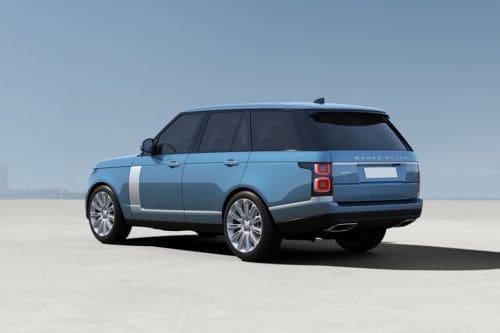 Tampak belakang serong Range Rover
