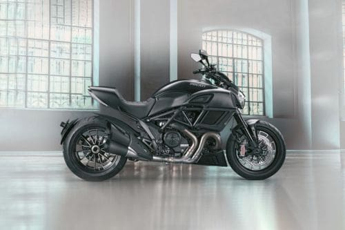 Ducati Diavel Right Side Viewfull Image