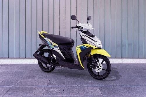 Yamaha Mio M3 125 Slant Rear View Full Image