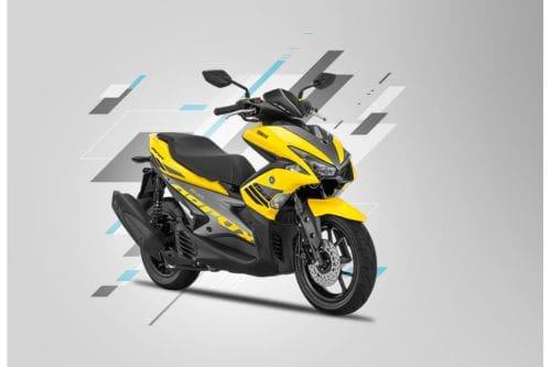 Yamaha Aerox 155VVA Slant Rear View Full Image