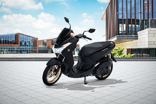 Yamaha Lexi Slant Front View Full Image