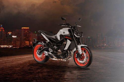 Yamaha MT-09 2020 Slant Rear View Full Image
