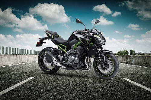Kawasaki Z900 Slant Front View Full Image
