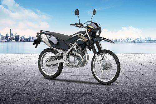Tampak belakang serong Kawasaki KLX 230