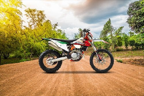 KTM 450 EXC-F Six Days Slant Front View Full Image