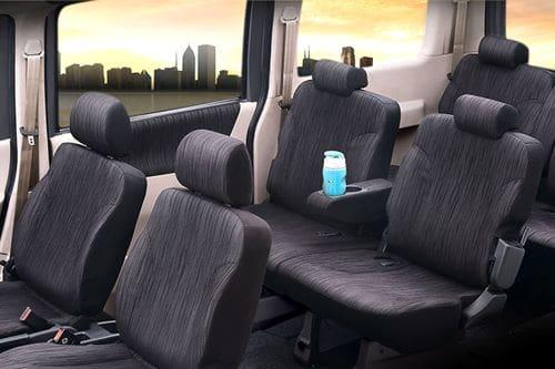 Kursi belakang Daihatsu Luxio